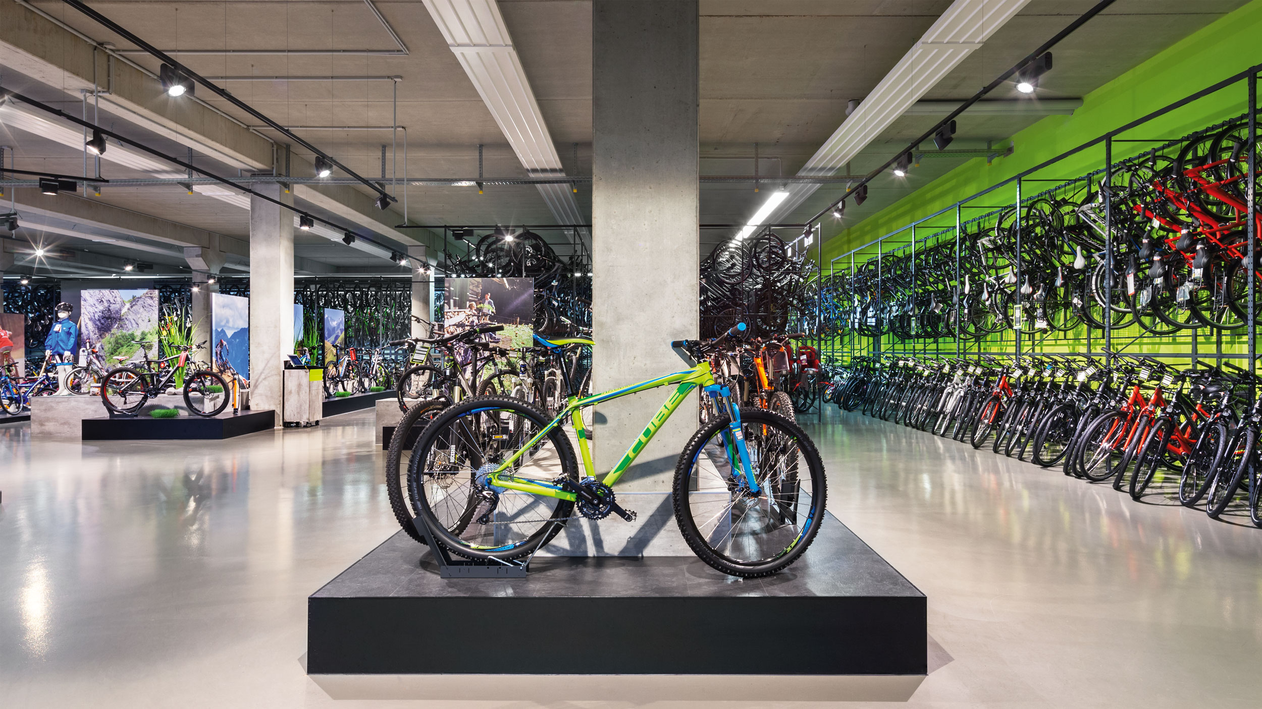 Performance Bicycle sells a variety of high quality bicycles of all types. From mountain bikes to racing bikes, what you need for biking is here including clothing, bicycles, accessories, bike tools, and more.